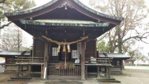 諏訪神社拝殿