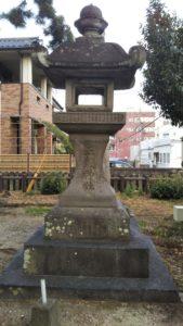 五穀神社灯篭