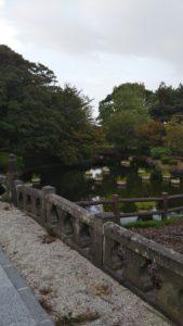 五穀神社池