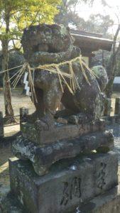 西町日吉神社狛犬右